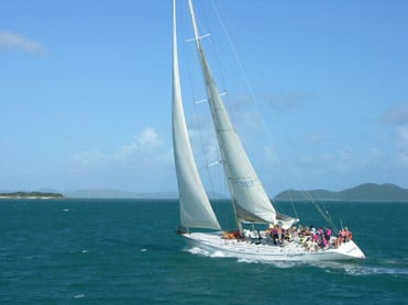 How to Rent a Yacht in the Whitsundays - 100 Magic Miles100